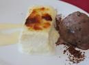Torrija caramelizada con helado